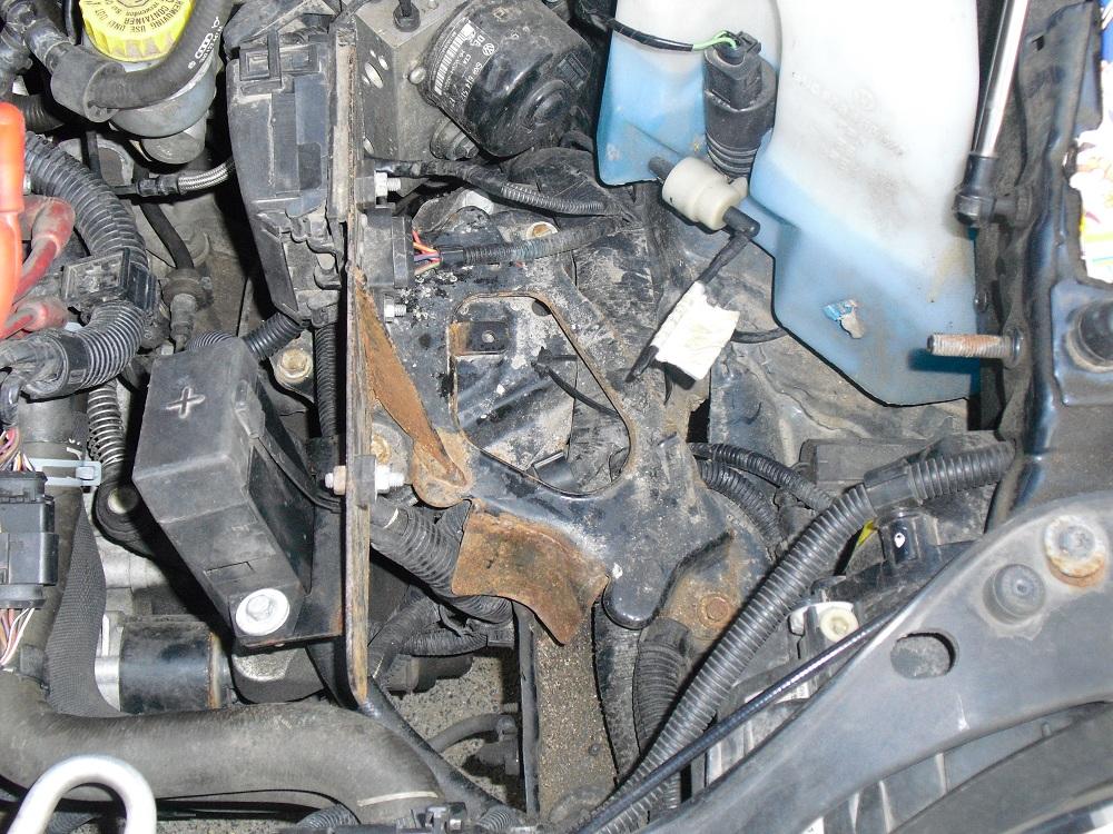 motor heult im leerlauf auf